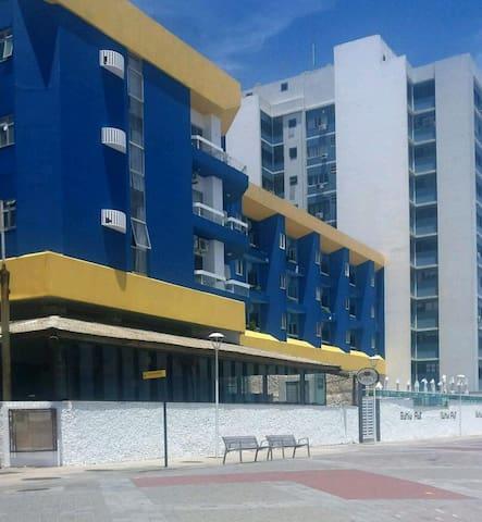 Flat Farol da Barra FRONTAL MAR