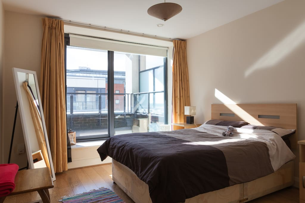 Spacious and bright doublebed room