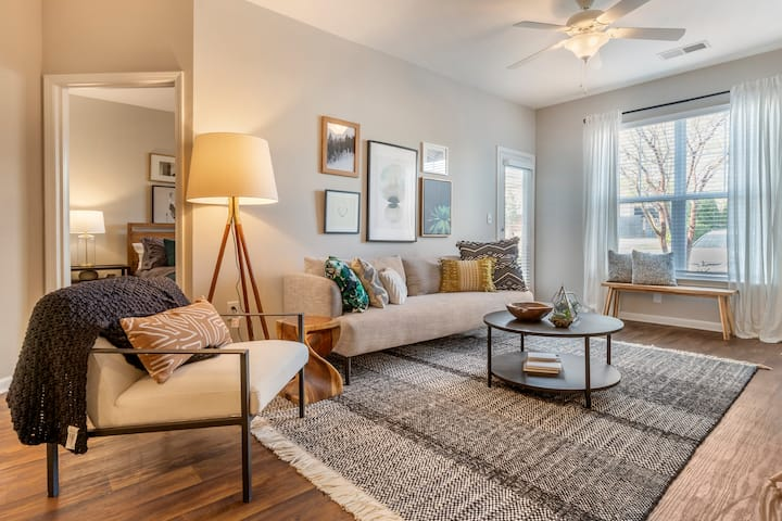 Clean, comfortable apartment | 2BR in Charlotte