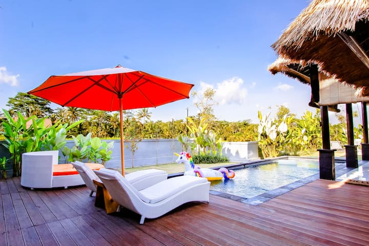 Entire Villa with Private Pool in Tegalalang