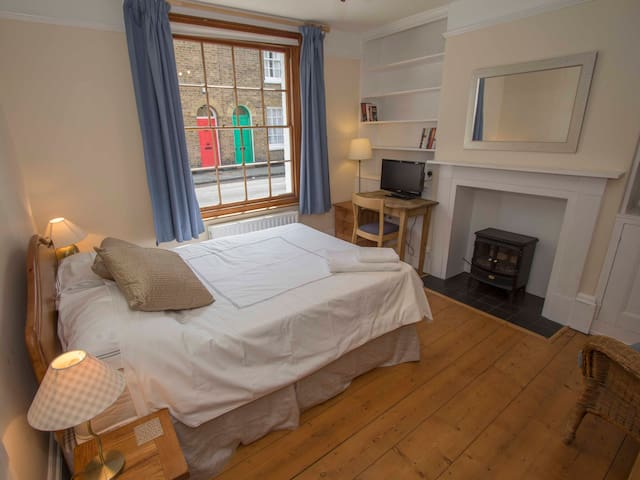 Double room in centre of Canterbury - Canterbury