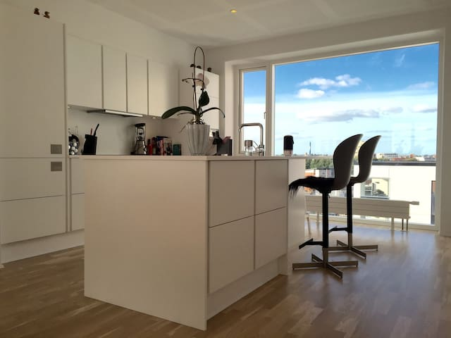 Luxurious penthouse apartment in midtown/near MCH - Herning - Apartemen