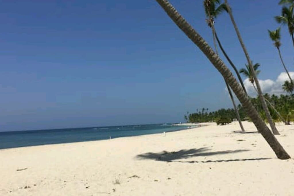 Acceso a la mejor playa de Juan Dolio