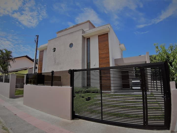 Casa moderna e aconchegante no norte da ilha