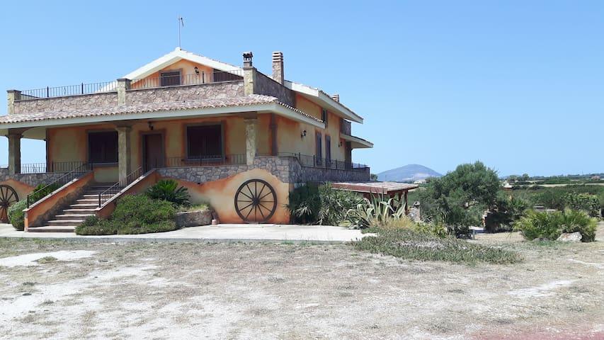 splendida villa immersa nella campagna - Olmedo - Villa