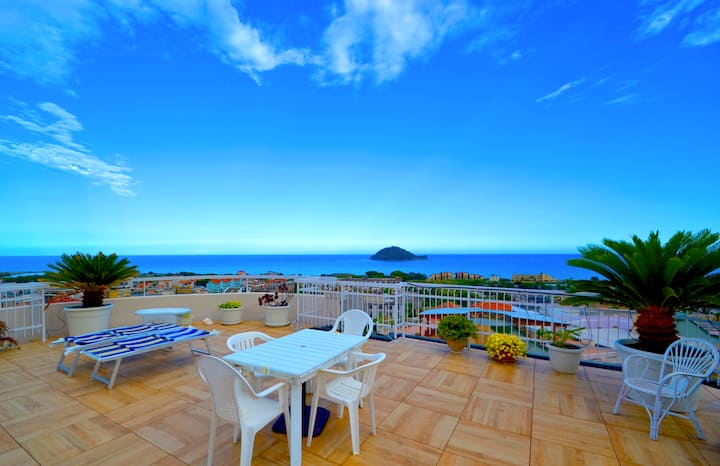 Entire Apartment with a Fantastic View of the Sea