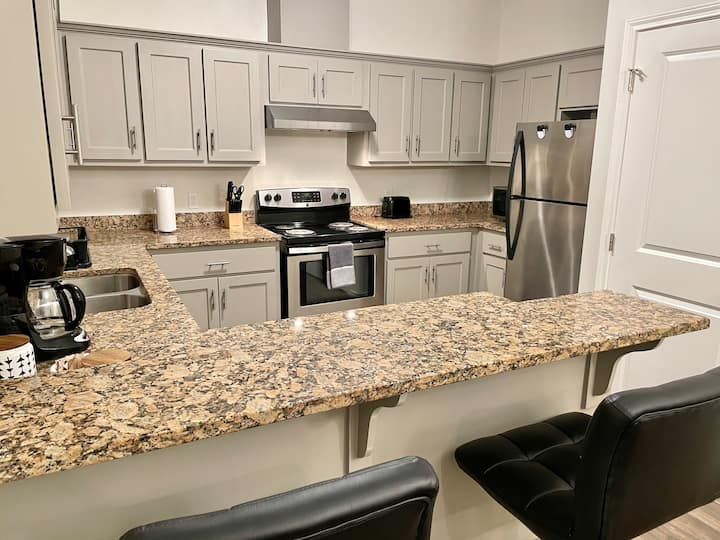 New condo minutes from UTRGV and Hospitals