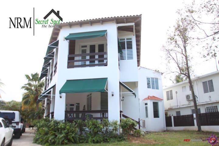 Secret Spot ... the hostel | 1 bed - Isabela - House