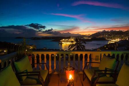 Vista Amalie - 3 BR House /  Pool w/ Harbor Views