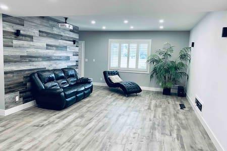 beautiful cozy single bedroom