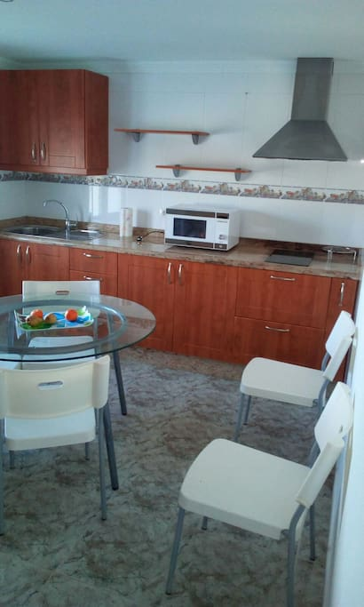 LARGE SEPARATE KITCHEN FULLY FURNISHED