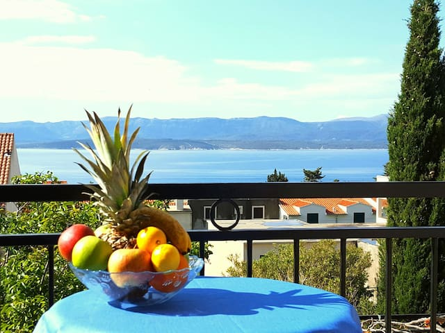 ˝...place is super clean and the location has a very relaxed feel about it. The views from the back balcony were breathtaking. ˝ - Brandi September 2017.