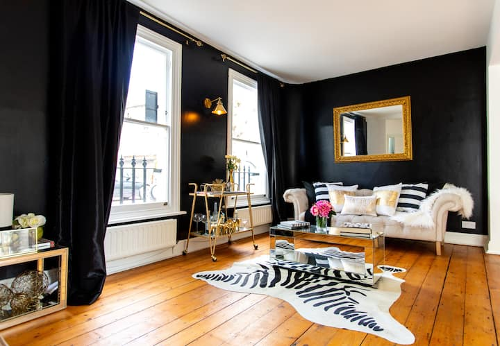 Chic British Townhouse in Exclusive Kensington!