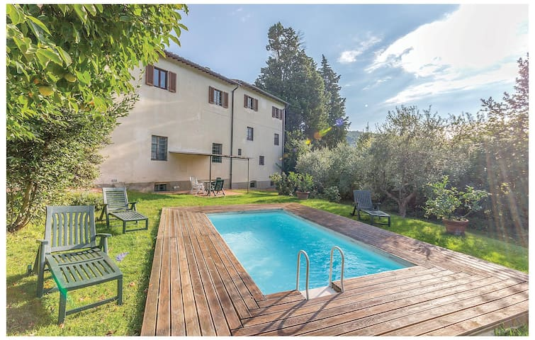 Holiday apartment with 3 bedrooms on 100 m² in Bagno a Ripoli FI