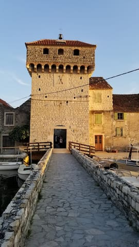 Apartment between beach and fortress