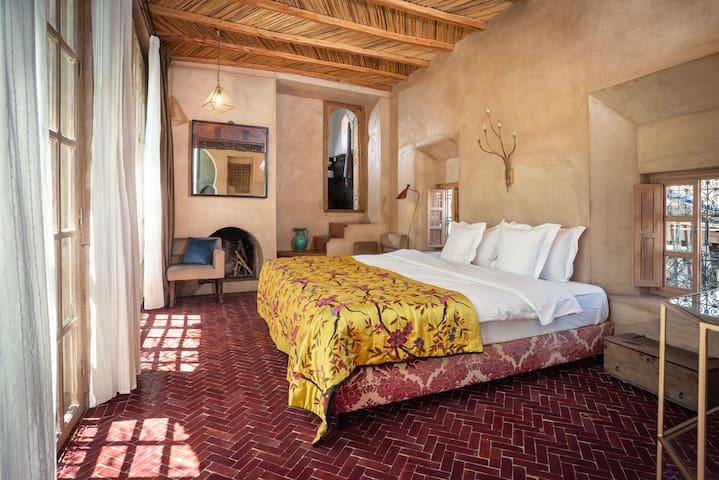 Hamra Room in Kbour & Chou