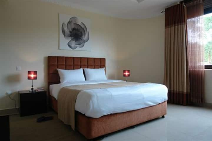 ***** Central downtown junior  Rooms w/view