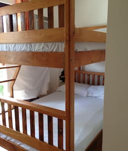 PETROS HOMESTAY ROOM 3 - Coron  - Bed & Breakfast