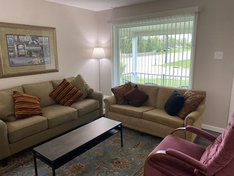 Comfy 3BR home in heart of Saint Peter's