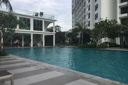 CyberSquare, 450sf, rent RM1280 p/m - Cyberjaya - Condominium