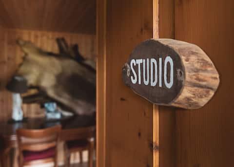 Charming rustic studio aspiring to relaxation !