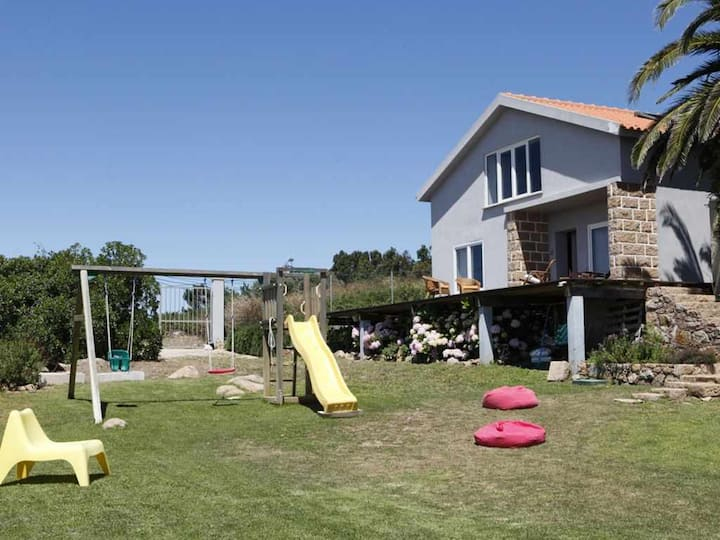 Mira Guincho House With see View and Garden