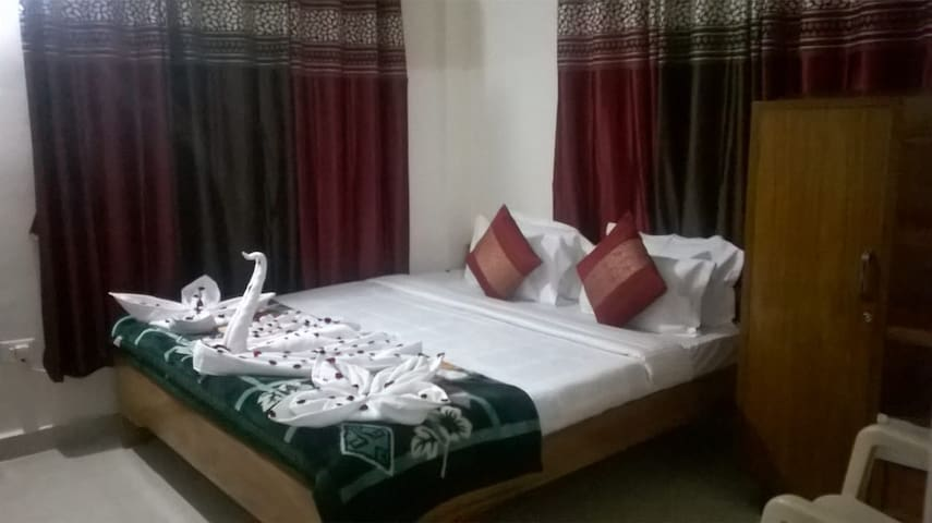Distant Sea View 1 BHK Flat in Puri