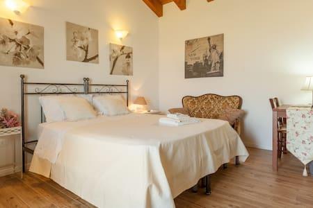 camera romantica con cucinino - Vicenza
