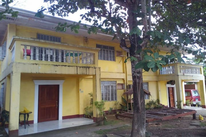 Apartment fan room with shared toilet and bath - Tagbilaran City - Apartment