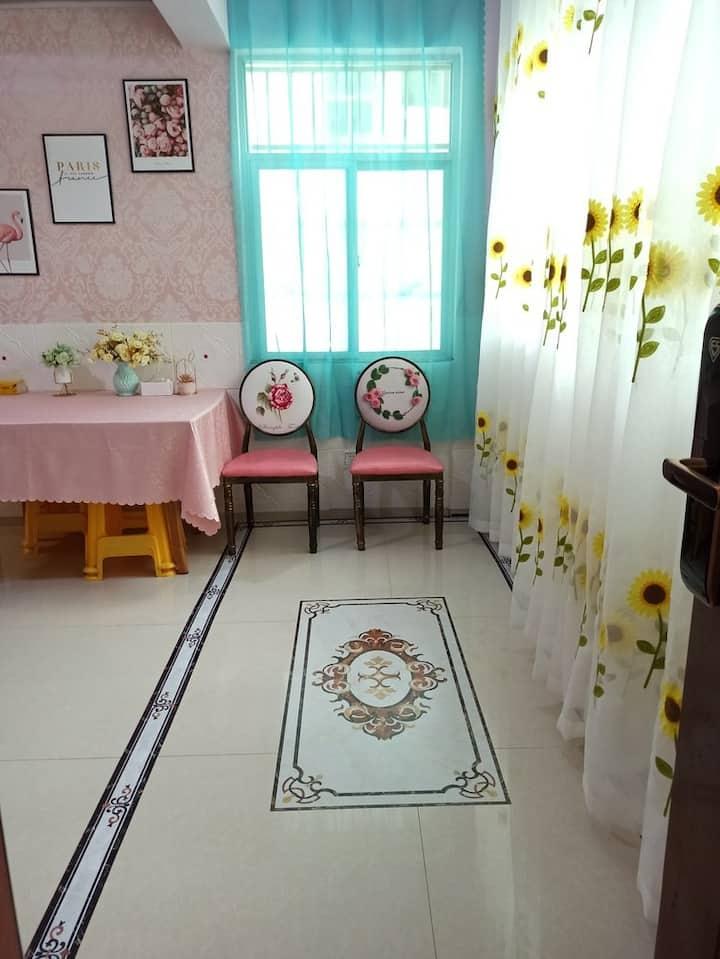 溪苑★简约温馨家庭亲子房
