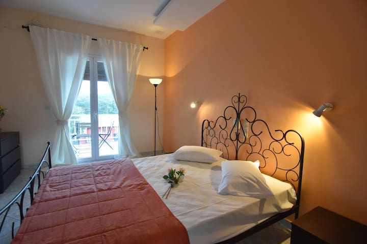 Anemelia Studios in Keri Beach (8-12 persons) - Zakinthos - Apartment
