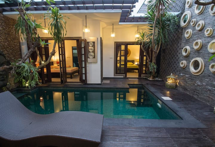 Cozy Pool&Balcony Villa Between Seminyak&Canggu