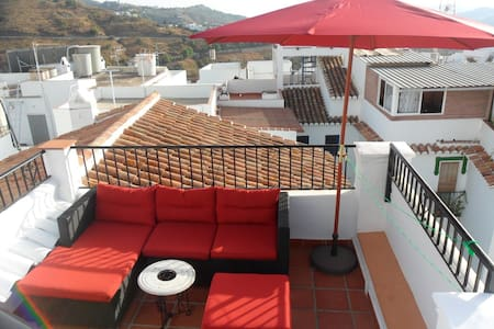Beautiful rustic village house in Competa, Malaga - Cómpeta - House