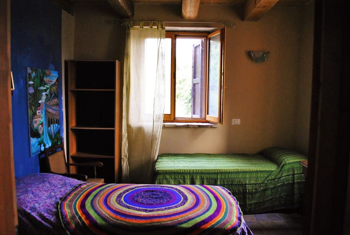 Double bedroom near Assisi - Valfabbrica