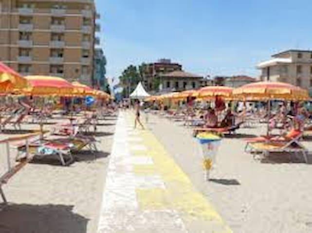 Appartamento a  100 metri dalla spiaggia!!!