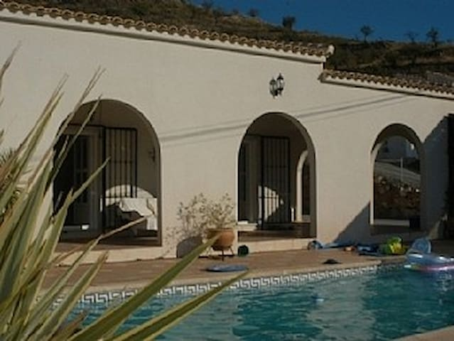 Villa in Albanchez. Free WIFI. Solar Pool heating - Albánchez - Holiday home