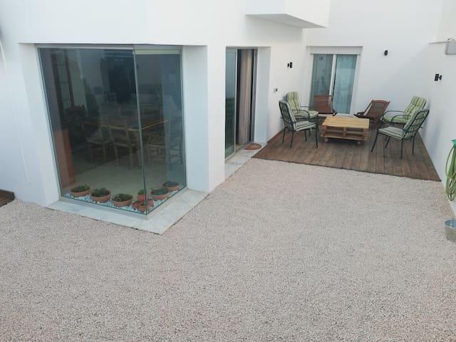 La casilla de cristal, luminosa y acogedora