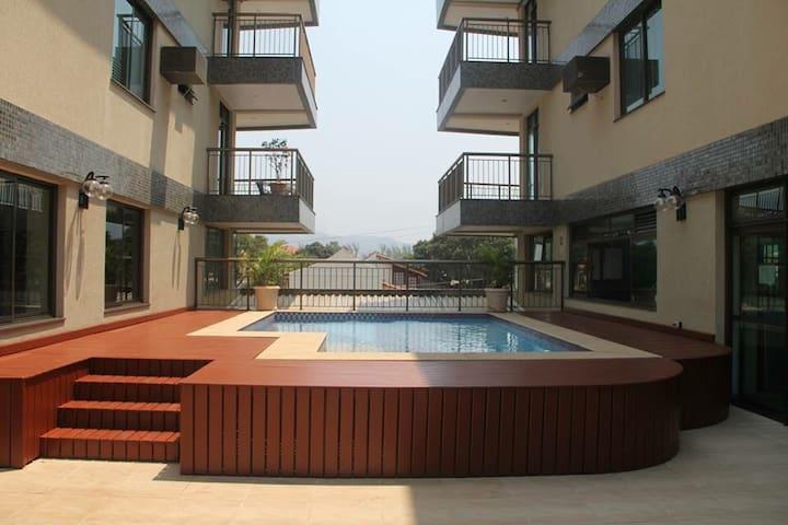 Flat em Camboinhas a 200m da praia para 4 pessoas