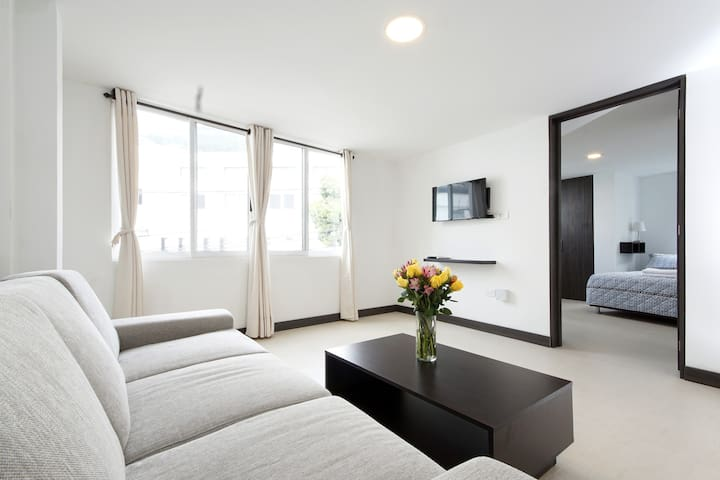 Modern with A/C in Granada, safe building - Cali - Appartement