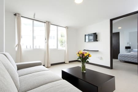 Modern with A/C in Granada, safe building - Cali - Wohnung