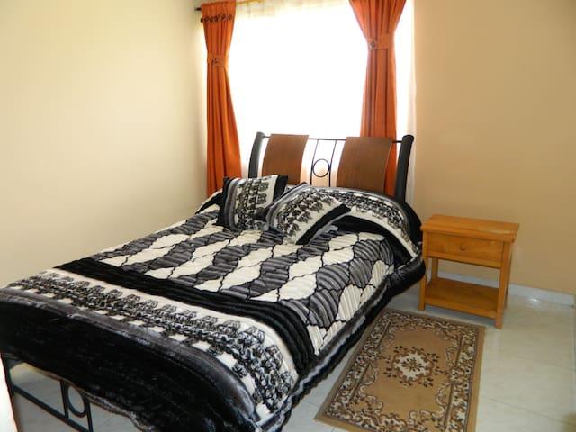 Habitación sencilla (simple room) en Mongui