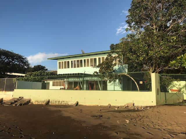 Ocean Front Beach House - Espíritu Santo - Casa