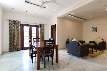 Private Room In Gachibowli - Hyderabad - Lakás