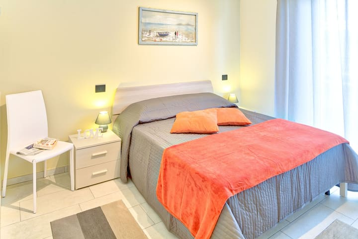 Colibrì Apartments - Diano Marina - Colibrì (Phone number hidden by Airbnb) lt (Phone number hidden by Airbnb)