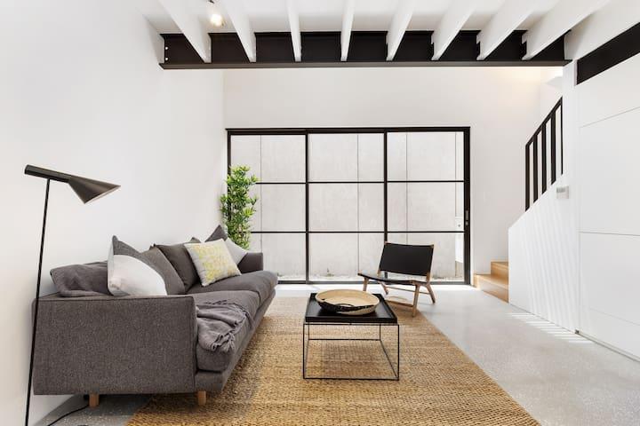 The Loft L'Abode-Long/Short term lets avl: L'Abode