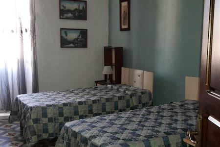 One Double Private Room/ Bathroom - Il-Mellieħa - Szeregowiec