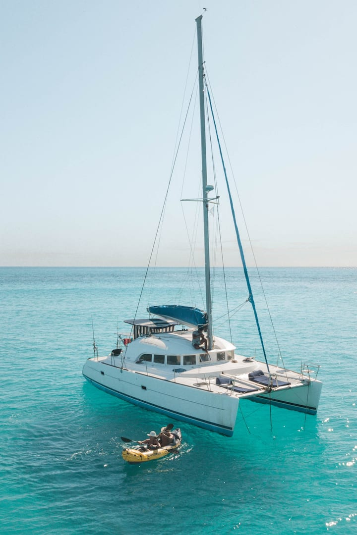 Private Liveonboard Experiences in Madagascar, Nosy Be, 6 days / 5 nights, catamaran EXCLUSIVE cruise