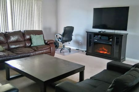 Clean Executive 3 bedroom - fully equipped