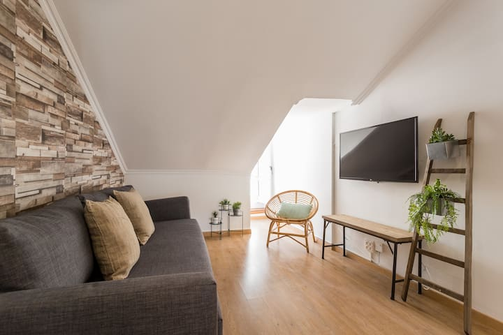 Rato Cozy 3BR w/balcony - by LU Holidays