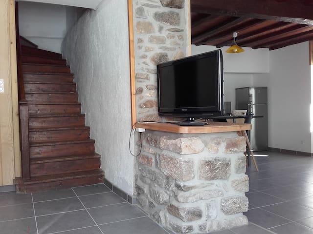 Maison de montagne rénovée à Orlu (Ax-les-thermes) - Orlu - Hus